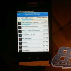 Foto 3 de 7 de la galería blackberry-9570-storm-3-primeras-imagenes-en-detalle-de-un-terminal-de-nombre-incierto en Xataka Móvil