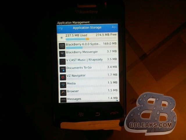 Foto de BlackBerry 9570 Storm 3, primeras imágenes en detalle de un terminal de nombre incierto (3/7)