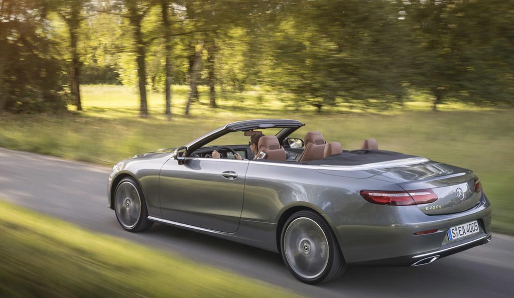 El nuevo Mercedes-Benz Clase E Cabrio ya tiene precio para España: desde 60.245 euros