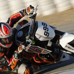 Foto 16 de 17 de la galería ktm-690-duke-track-limitada-a-200-unidades-definitivamente-quiero-una-ktm-690-ejc en Motorpasion Moto