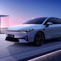 Primeras imágenes del Xpeng P5, la nueva berlina eléctrica que se postula como el anti Tesla Model 3 chino