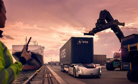 Vera, el incansable camión eléctrico y autónomo de Volvo Trucks, se estrenará en el puerto sueco de Gotemburgo