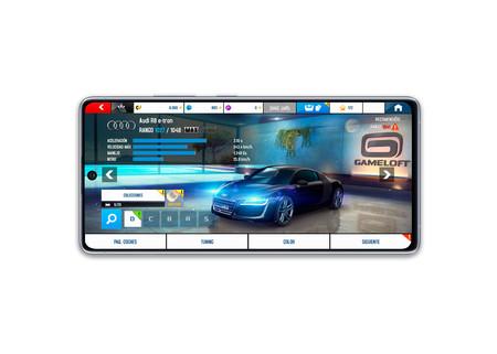 Samsung Galaxy S10 Lite interfaz del Asphalt en la pantalla