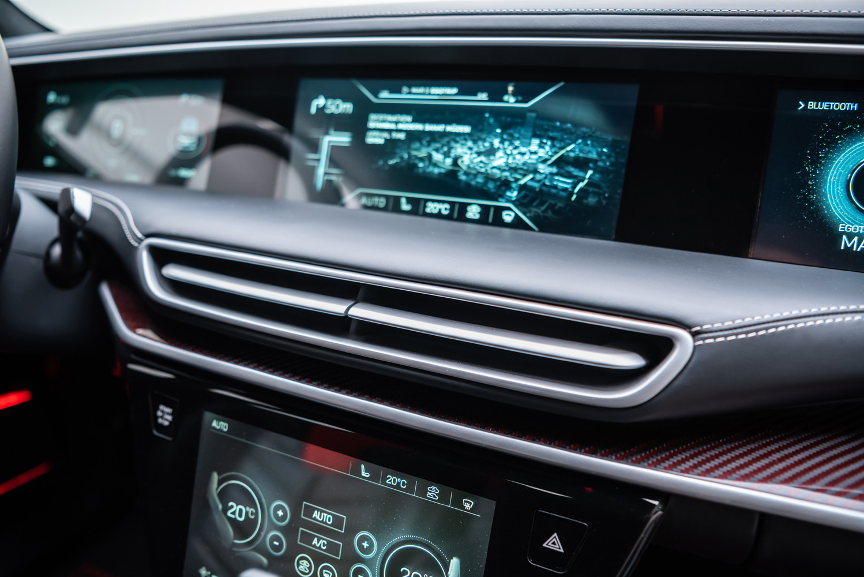 Interior del SUV de TOGG