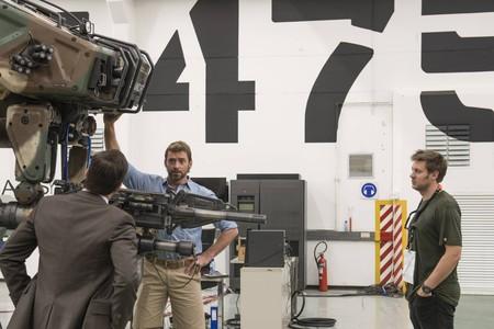 Hugh Jackman y Neill Blomkamp en el rodaje de Chappie