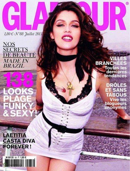 Laetitia Casta con un look diva a lo Sofía Loren en la portada de Glamour Francia