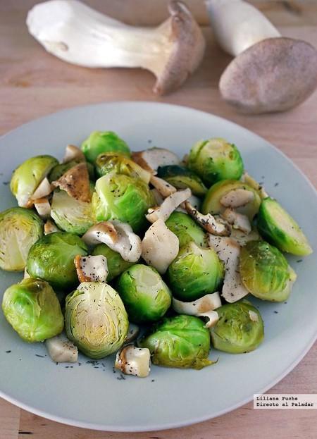 Salteado de coles de bruselas con boletus: receta ligera de guarnición o primer plato