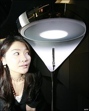Luz + sonido + diseño = una lámpara de Sony