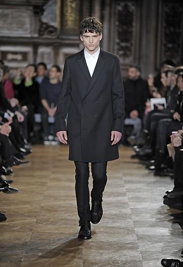 Foto de Givenchy, Otoño-Invierno 2010/2011 en la Semana de la Moda de París (1/10)