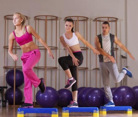 Combinando entrenamiento de fuerza con clases colectivas, ¿qué pasa en tu cuerpo?