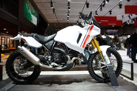 Scrambler Ducati Desertx Motard Concept 2020 002