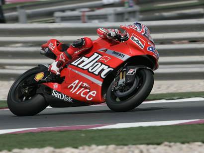 Ducati y Bridgestone lideran los tiempos en Turquía
