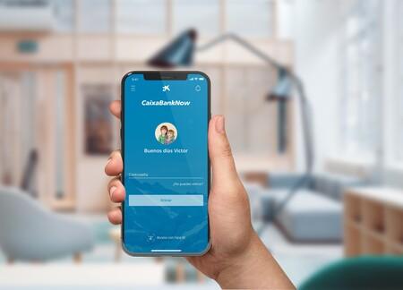 Una aplicación de CaixaBank en un teléfono móvil.