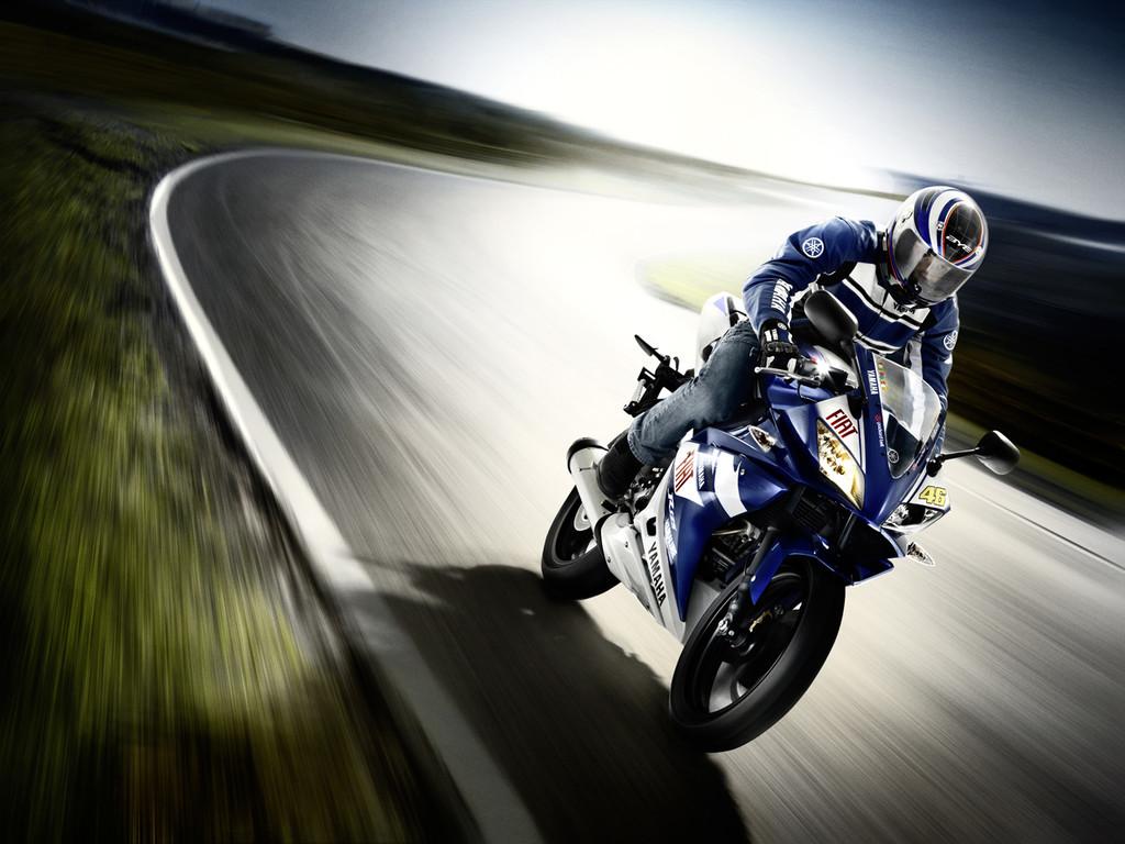 Foto de Yamaha YZF-R125 Rossi Réplica (10/19)