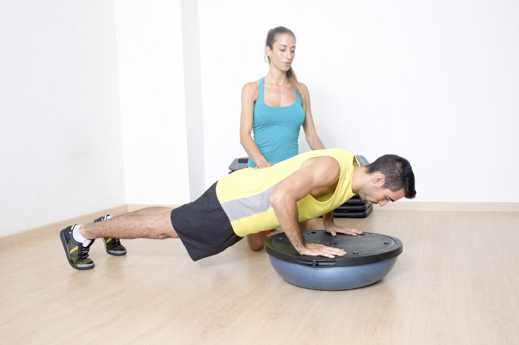 Siete ejercicios con bosu para trabajar todo cuerpo