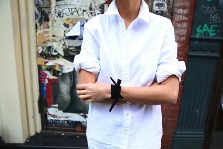 man repeller cinta negra pulsera
