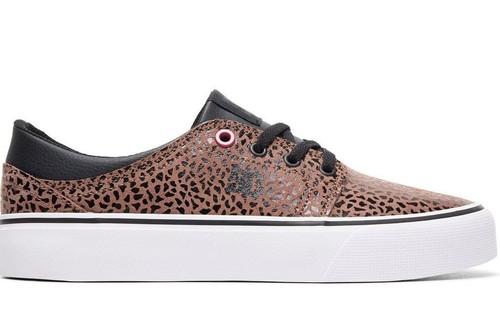 14 zapatillas para mujer rebajadas en eBay para comenzar el otoño: DC Shoes, Nike, Lois, Desigual, Hakimono, Mustang...