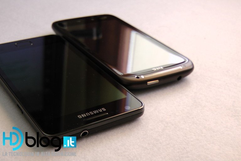 Foto de Samsung Galaxy SII vs. HTC Sensation (12/29)
