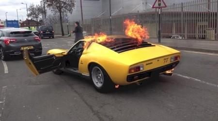 'Lamborghini Miura SV calcinado en Londres', mejor Dolorpasión™ de 2013 en Motorpasión