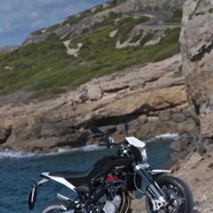 Foto 105 de 111 de la galería husqvarna-nuda-900-y-900r-datos-y-fotos-oficiales en Motorpasion Moto