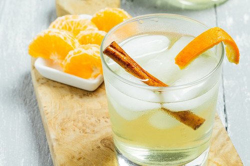 Mandarina Blast, un cóctel con mezcal que te sorprenderá