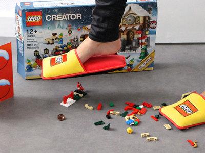 Adiós a 66 años de dolor: LEGO crea unas zapatillas 'antipiezas'