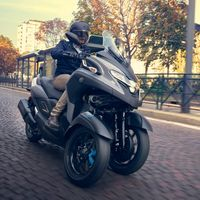 El triciclo Yamaha Tricity 300 llegará en julio por 7.999 euros y se podrá conducir con el carnet de coche