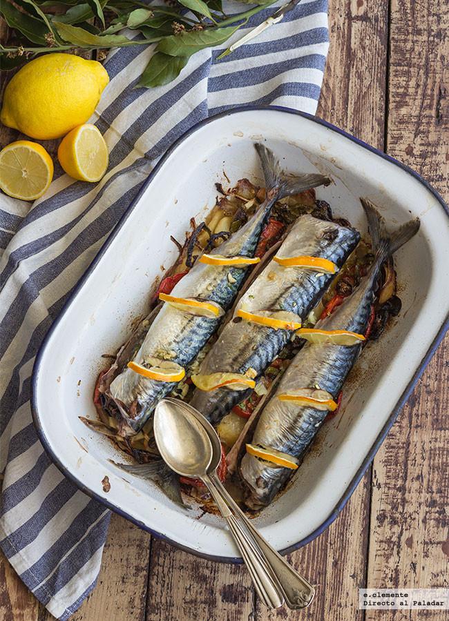 Caballa al horno con hortalizas asadas: receta para disfrutar de una manera deliciosa este económico pescado