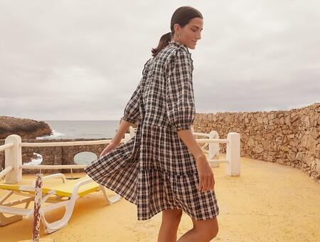 Nueve vestidos de la nueva colección de C&A que podrían acompañarnos hasta el fin de la época de entretiempo