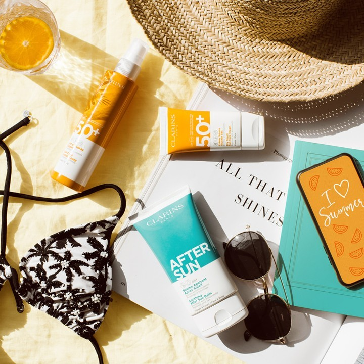Clarins lanza su nueva variedad de solares con los que cuidar y mimar nuestra piel