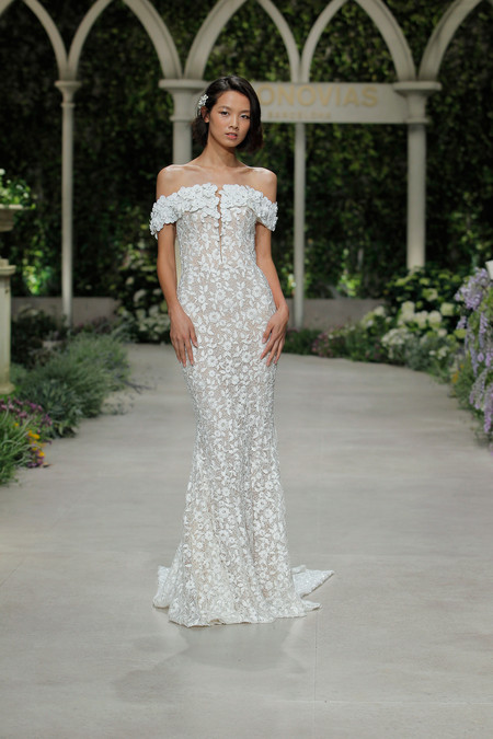Pronovias Fashion Show Grace Guozhi