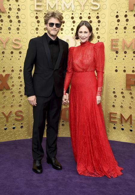 Premios Emmy 2019 Renn Hawkey And Vera Farmiga