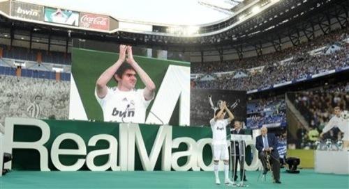 Foto de Kaká en la presentación con el Real Madrid (5/9)