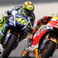 La patada desde la Yamaha de Valentino Rossi no existe ni en telemetría