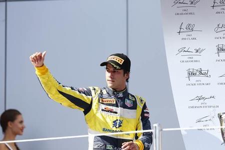 Felipe Nasr negocia para ser piloto titular en 2015