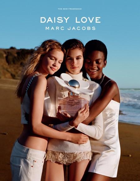 La nueva campaña de Daisy Love de Marc Jacobs es juvenil (y maravillosa)