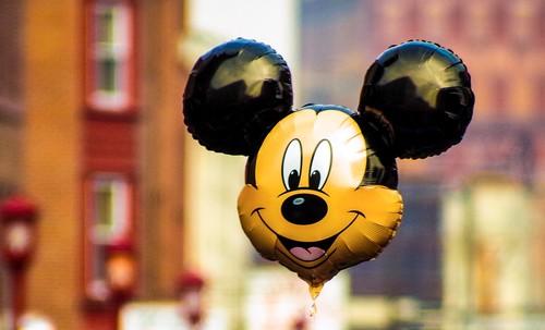 ¿De verdad Apple está considerando comprar Disney?