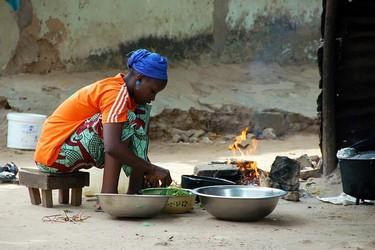 Los hornos eficientes que salvan vidas en el tercer mundo