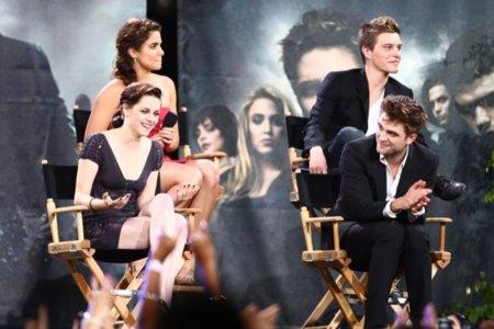 Los looks de Kristen Stewart en la gira de la última película de Crepúsculo: Eclipse