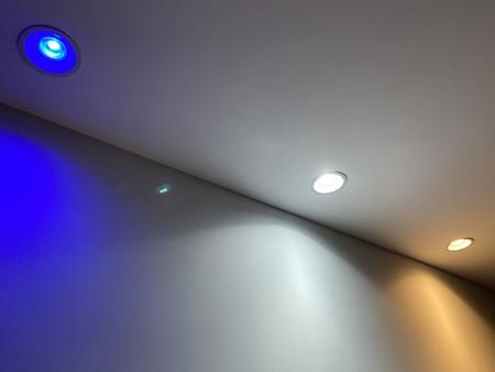 Así he probado en casa empotrables LED con Bluetooth para mejorar la ambientación en el salón