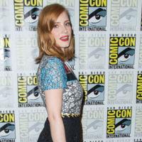 El patchwork que colorea a Jessica Chastain, el encaje también puede ser moderno