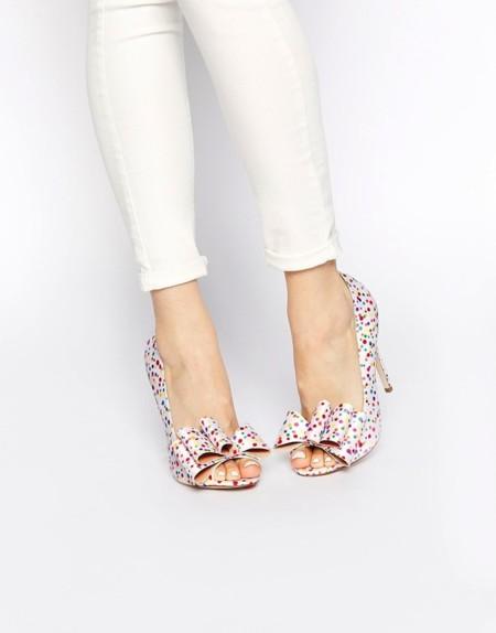 Da un poco de alegría a tus pies con unos zapatos estampados