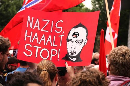 Así es como los extremistas camuflan su discurso de odio en las redes sociales