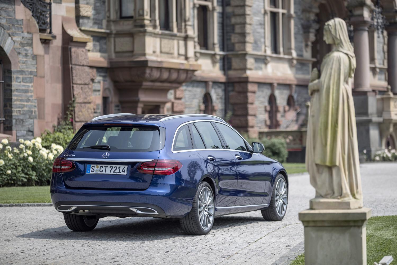 Foto de Mercedes-Benz Clase C 2018, toma de contacto (225/255)