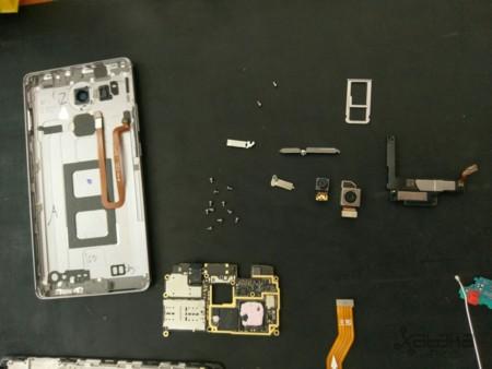 Huawei Mate 8 Teardown Mexico 10