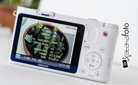 Samsung NX1000 - Vista trasera