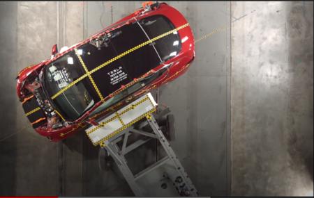Tesla ha empezado a utilizar datos de accidentes reales de sus clientes para mejorar la seguridad de sus coches