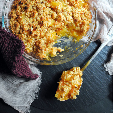 Crumble de ciruelas, la receta tradicional británica más deliciosa