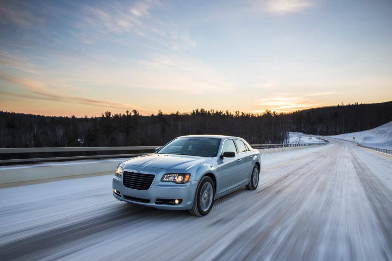 Foto de 2013 Chrysler 300 Glacier (25/27)