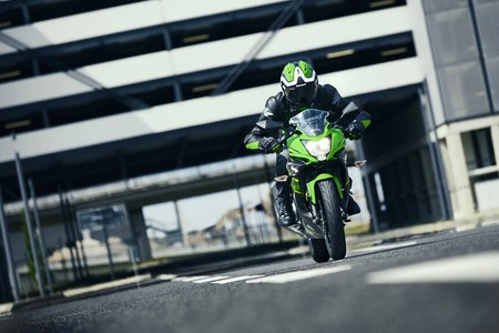 Las mejores motos deportivas de 125 cc: de la Kawasaki Ninja 125 a la Yamaha YZF-R125
